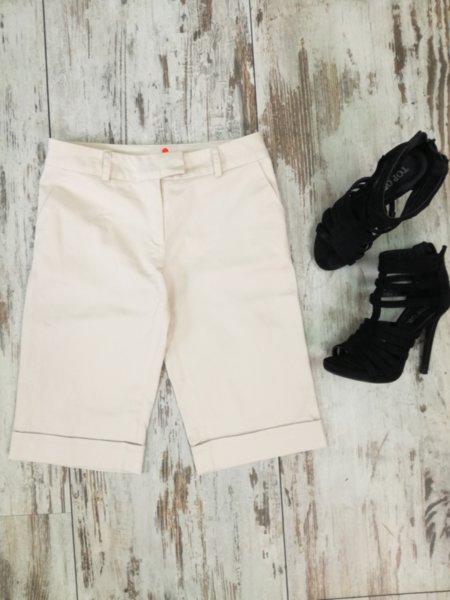 Дамски къси панталони в цвят екрю